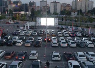 İstanbul'da Arabalı Sinema Keyfi