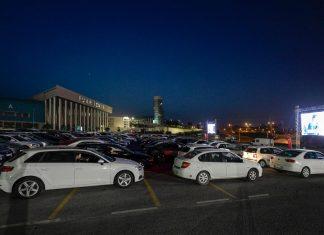 İzmir'de Arabalı Sinema Günleri Başladı